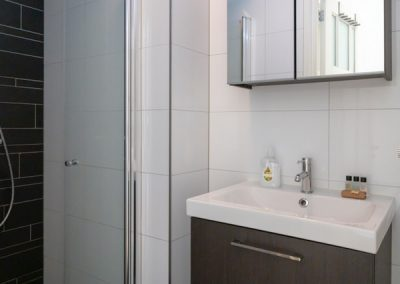 bathroom shortstay apartment utrecht